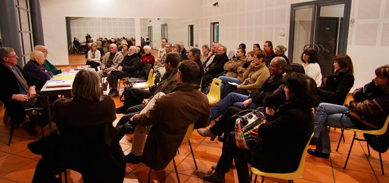 Vue des participants à la réunion publique sur la communauté d'agglomération